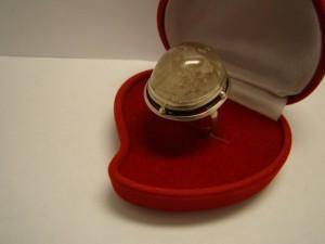 Кольцо с кварцем, 925 пробы, масса 10гр, размер 19, 3000 рублей (1)