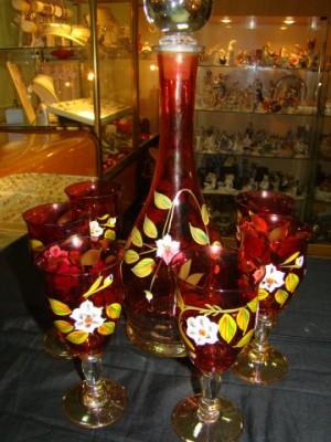 Набор из красного стекла, 6.000 рублей