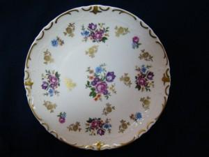 Фарфоровая настенная тарелка, 850 рублей