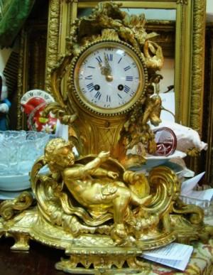 Часы каминные с боем, бронза Европа 1855 год. 135.000 рублей