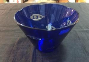 Арт 47-18 Ваза для конфет, синие стекло. 700 рублей