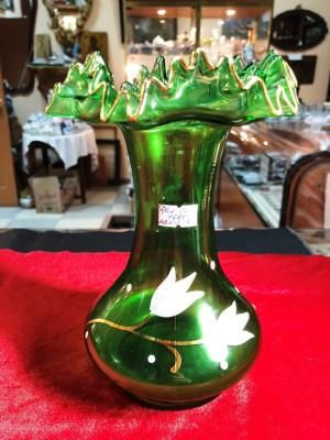 Арт 97-18 Ваза зеленое стекло.Чехословакия 1000 рублей