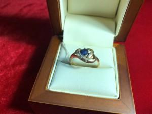 Арт 108-18 Кольцо с бриллиантами и сапфиром 585 проба, размер 18.5 масса 3.12гр. 9000 рублей