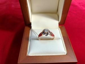 Арт 285-18 Кольцо с бриллиантом, 583 проба, размер 17,5 масса 4.73гр. 28.000 рублей