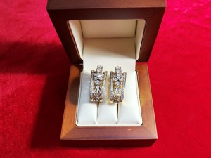 Арт 314-18 Серьги с бриллиантами, 750 проба, масса 15.16гр. 160.000 рублей