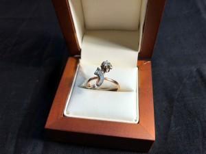 Арт 14-19 Кольцо с бриллиантом, 583 проба, размер 18,5. масса 3.21гр. 15.500 рублей