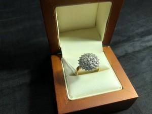 Арт 352-19 Кольцо с бриллиантами, 750 проба, размер 18, масса 6.53 гр. 87.000 рублей