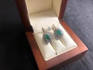 Арт 60-21 Серьги с бриллиантами и изумрудами, 585 проба, масса 8.45гр. 68.000 рублей