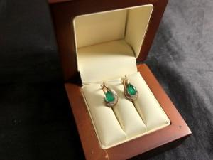 Арт 70-21 Серьги с бриллиантами и изумрудами, 585 проба, масса 2.84гр. 9100 рублей