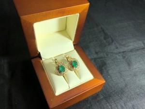 Арт 128-21 Серьги с бриллиантами и изумрудами, 585 проба, масса 6.26гр. 60.000 рублей