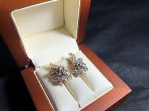 Арт 024381-21 Серьги с бриллиантами, 585 проба, масса 6.83гр. 38.000 рублей
