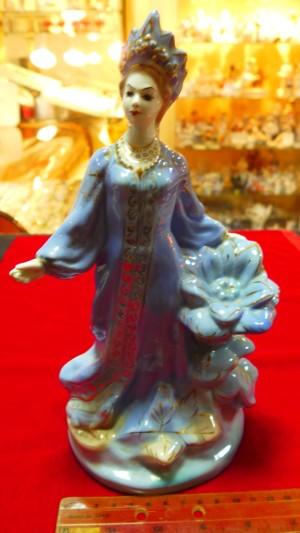 Арт 191-16 Статуэтка фарфоровая, Гжель  «хозяйка медной горы» 3200 рублей
