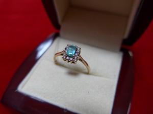 Арт 333-16 Кольцо с  изумрудом и бриллиантами, 585 проба,  размер 17.5, масса 2.12 гр. 20.000 рублей