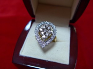 Арт 379-16 Кольцо с бриллиантами, 750 проба, размер 17.5, масса 7.20 гр. 46.000 рублей