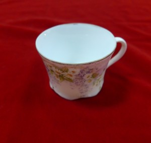 Арт 443-16 Кофейная чашка, фарфор, конец 19 века. 3500 рублей