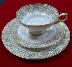 Арт 307-13 Чайная пара и тарелка, фарфор, Германия. 6000 рублей
