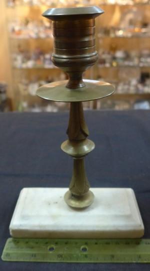 Арт 187-12 Подсвечник, латунь. на мраморной подставке. 1800 рублей