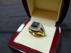 Арт 74-17 Кольцо с александритом и бриллиантами , 750 проба, размер 18,5 масса 7.5 гр. 330.000 рублей