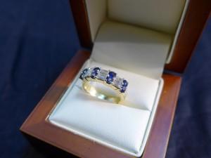 Арт 21-17 Кольцо с сапфирами и бриллиантами, 750 проба, размер 17, масса 6.65 гр. 39.500 рублей
