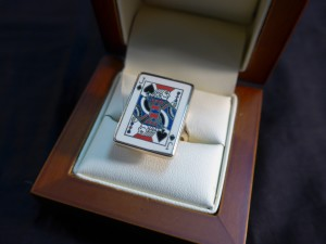 Арт 173-17 Кольцо карта, кость, эмаль. 585 проба, размер 18,5 масса 9.4 гр. 40.000 рублей