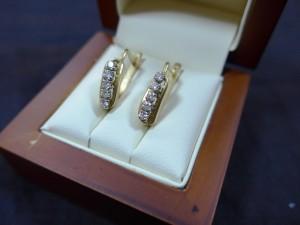 Арт 58-17 Серьги с бриллиантами, 750 проба, масса 7.62 гр.  37.500 рублей