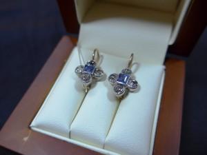 Арт 179-17 Серьги с алмазами и сапфирами, 56 проба, масса 2.95 гр. 100.000 рублей