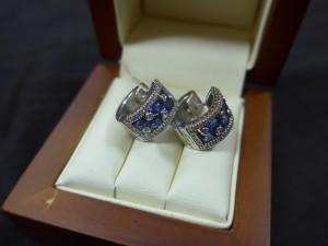 Арт 200-17 Серьги с бриллиантами и сапфиром, 750 проба, масса 12.32 гр.  55.000 рублей