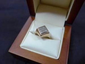 Арт 171-17 Кольцо с бриллиантами, 583 проба, размер 18, масса 3.42гр. 9300 рублей
