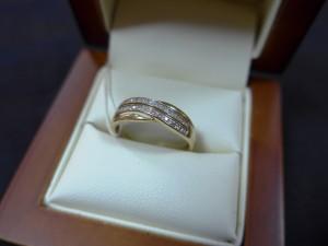 Арт 169-15 Кольцо с бриллиантами, 585 проба, размер 17,5 масса 1.9гр. 9000 рублей