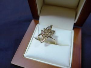 Арт 269-15 Кольцо с бриллиантами, 585 проба, размер 17,5 масса 3.82гр. 8500 рублей