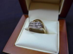 Арт 525-15 Кольцо с бриллиантами, 585 проба, размер 17, масса 3.38гр. 19.500 рублей
