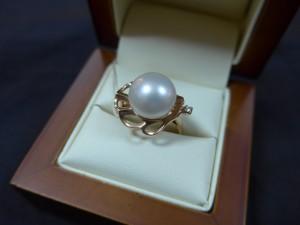 Арт 270-17 Кольцо с бриллиантом и жемчугом, 585 проба, размер 18,5 масса 6.62гр. 12.000 рублей