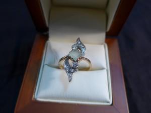 Арт 282-17 Кольцо с изумрудом и бриллиантами, 583 проба, размер 17,5 масса 4.91гр. 40.000 рублей