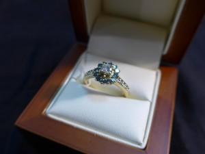 Арт 235-17 Кольцо с  бриллиантами, 585 проба, размер 17,5 масса 4.11гр. 45.000 рублей