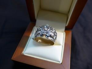 Арт 281-17 Кольцо с  бриллиантами, 585 проба, размер 21,5 масса 10.71гр. 25.000 рублей