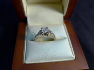 Арт 343-17 Кольцо с бриллиантами, 585 проба, размер 15,5 масса 5.65гр. 30.000 рублей