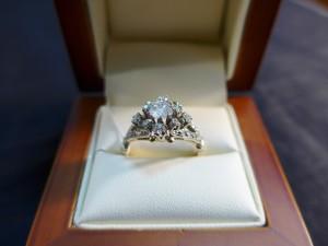 Арт 405-17 Кольцо с бриллиантами, 583 проба, размер 19 масса 4.49гр. 32.000 рублей