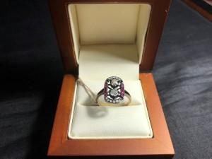 Арт 283-19 Кольцо с алмазами и рубинами, 56 проба, размер 17,5 масса 2.54 гр. 120.600 рублей
