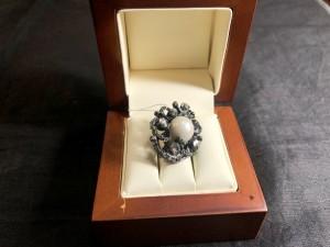 Арт 97-21 Брошь с жемчужиной и алмазами, масса 8.74 гр. 20.000 рублей