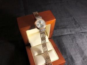 Арт 023749-21 Часы   585 пробы с бриллиантами, вес 25.93гр. размер 20.  80.000 рублей