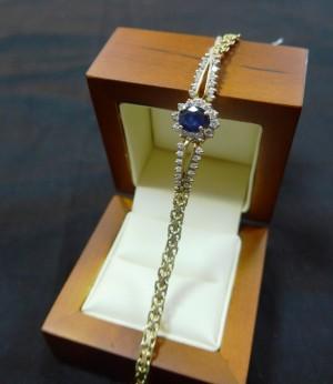 Арт 382-16  Браслет, бриллианты с сапфиром. 585 проба, масса 8.84 гр. размер 18.5 50.000 рублей