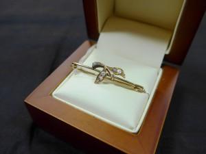 Арт 166-17 Брошь с алмазами, 56 проба, масса 1.95 гр. 35.000 рублей