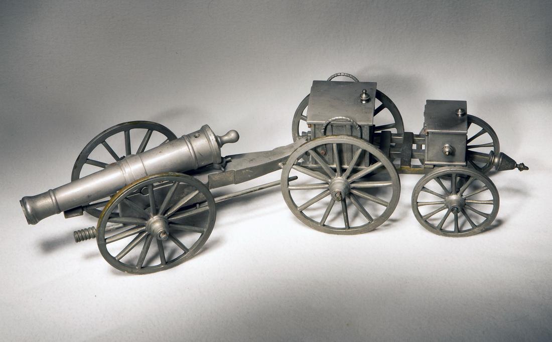 12-ти фунтовая пушка времен Наполеона