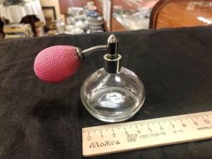 Арт 95-21 Флакон для духов, стекло, пулевизатор с розовой грушей. 800 рублей